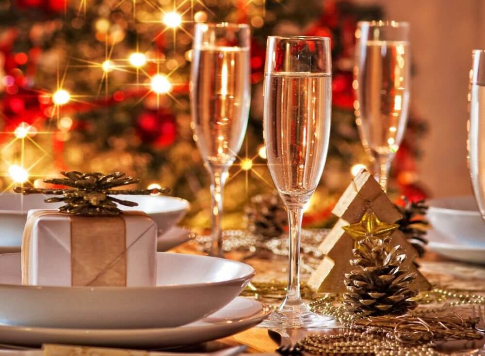 Как красиво украсить новогодний стол