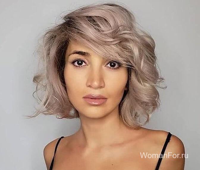 Пепельный цвет волос с челкой